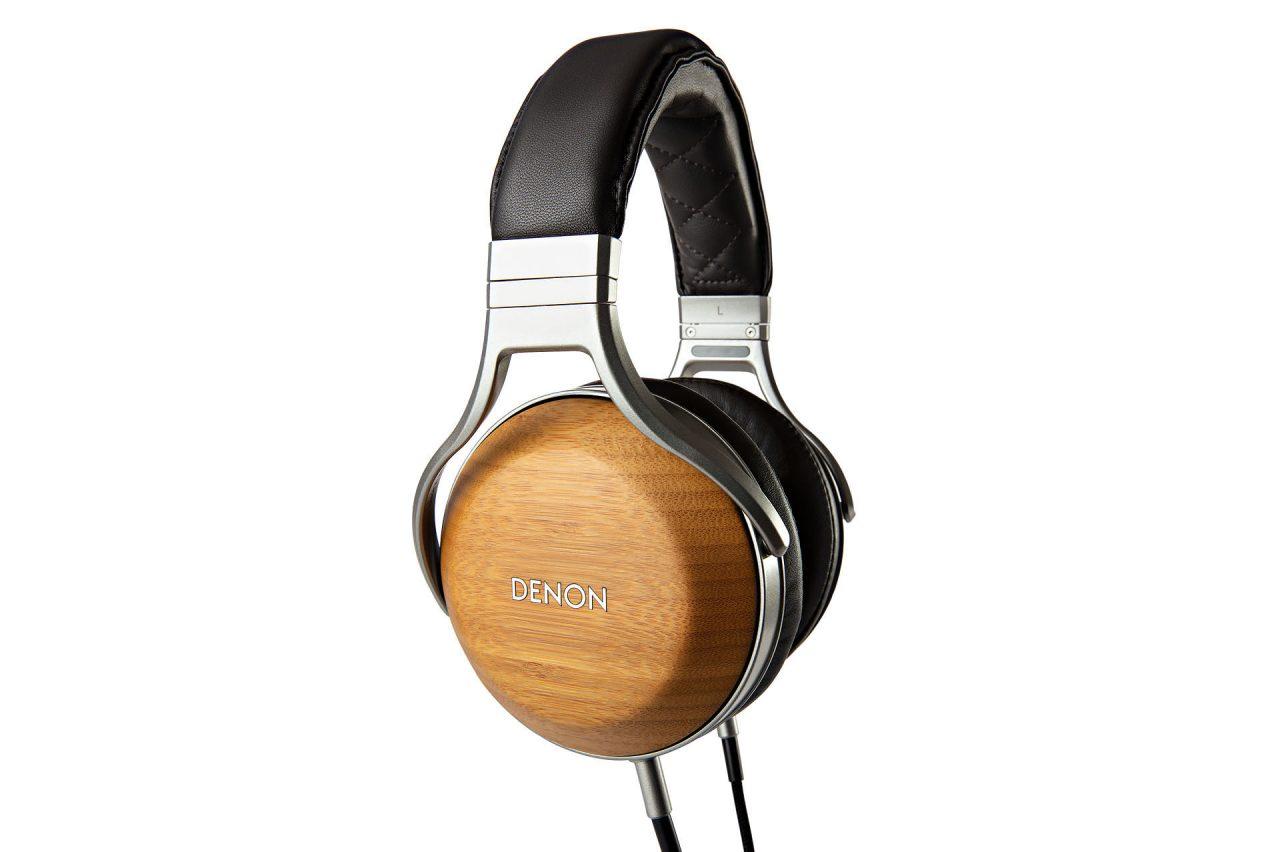 "【DENON】ディーアンドエムブース、今回デノンブランドは10月1日に発売になったばかりの孟宗竹をイヤーカップに使用した新製品フラッグシップヘッドホンAH-D9200などデノンの""Real Wood""シリーズヘッドフォンをお聴きいただけます。"